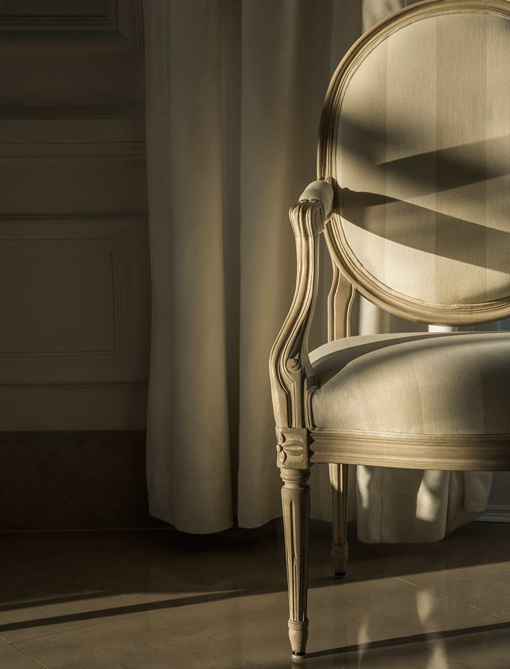 Photography tips and tricks: Shooting interiors at sunrise