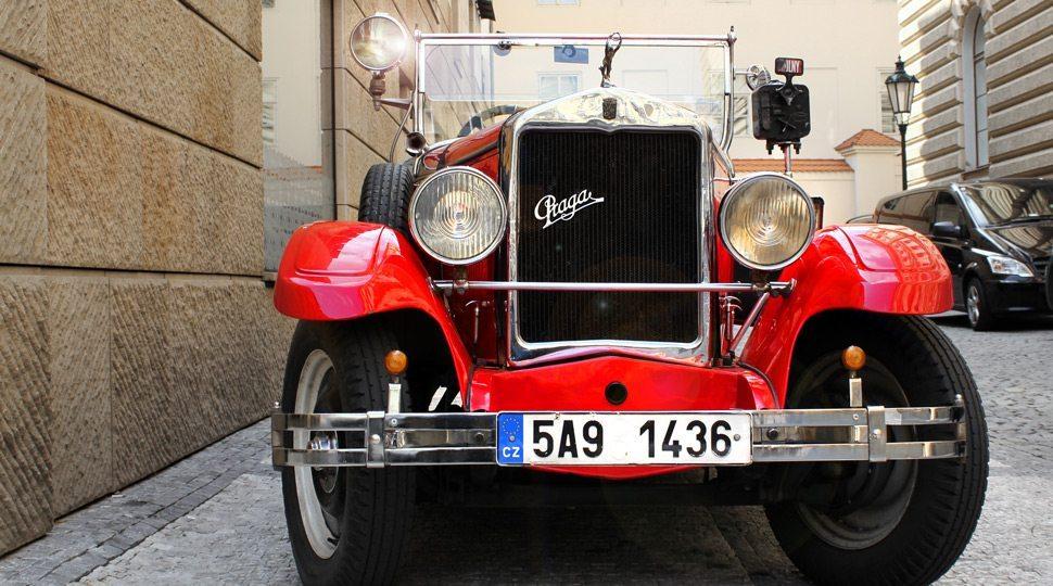 Vintage car tour in Prague