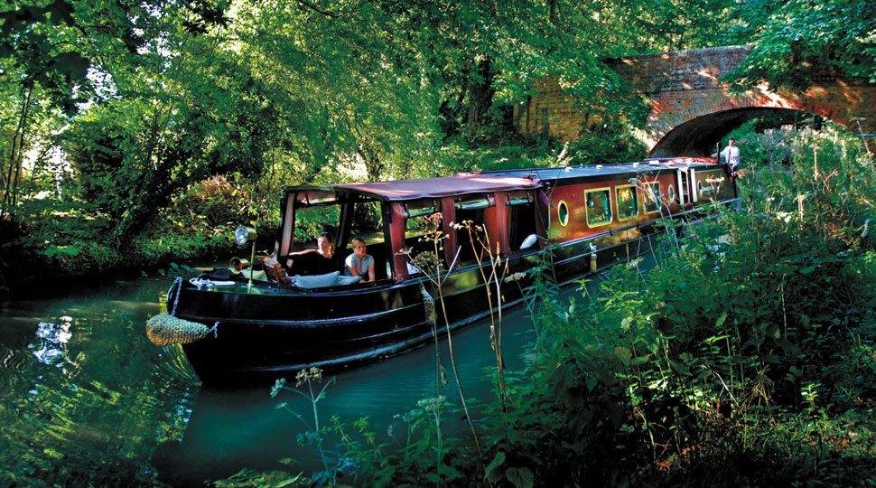 Boat on the Basingstoke Canal