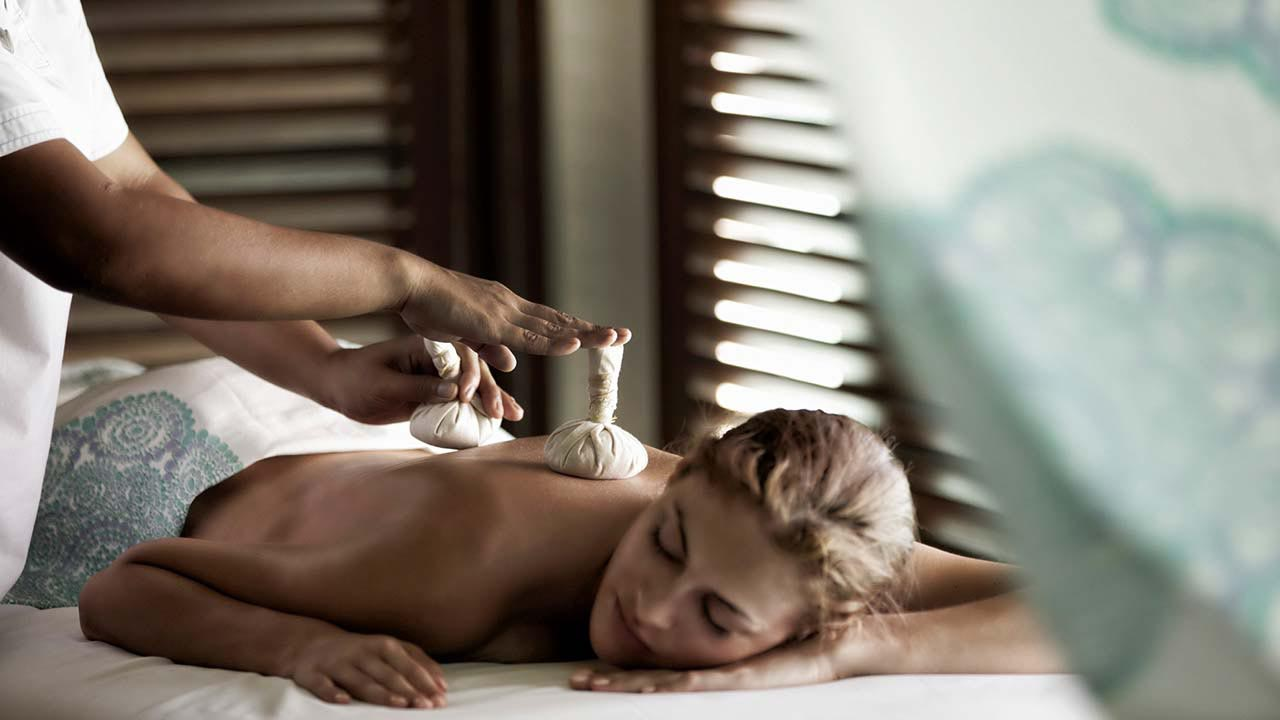 Ayurvedic spa treatment at Four Seasons Resort Maldives at Landaa Giraavaru