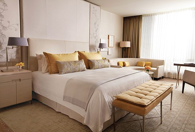 Hotel Beds: A Guestroom At Four Seasons Hotel Toronto