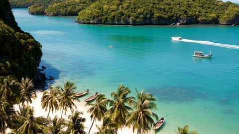 Explore Koh Samui's natural beauty by private yacht