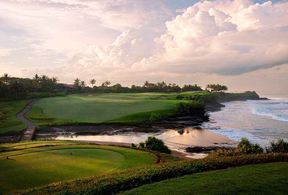 Flanked by the rolling surf of the Indian Ocean, the 13th hole at Nirwana Bali Golf Club is deceptively difficult.
