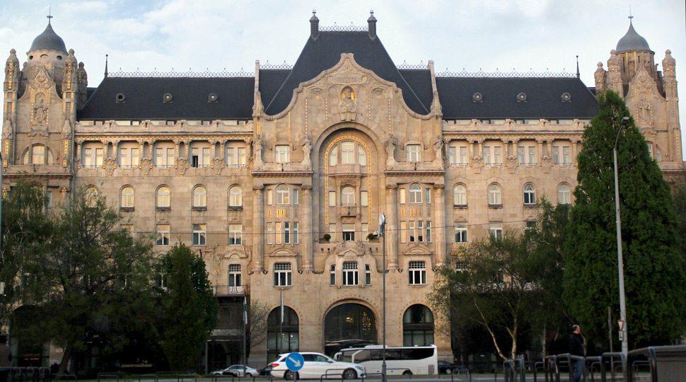 Four Seasons Hotel Gresham Palace Budapest exterior