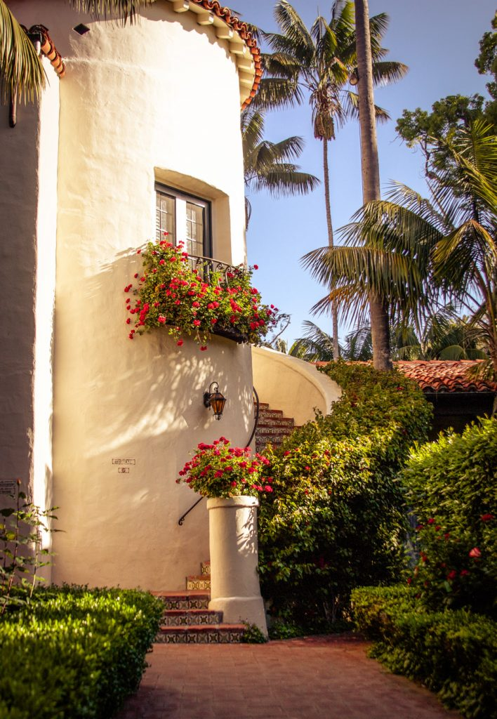 Four Seasons Santa Barbara grounds