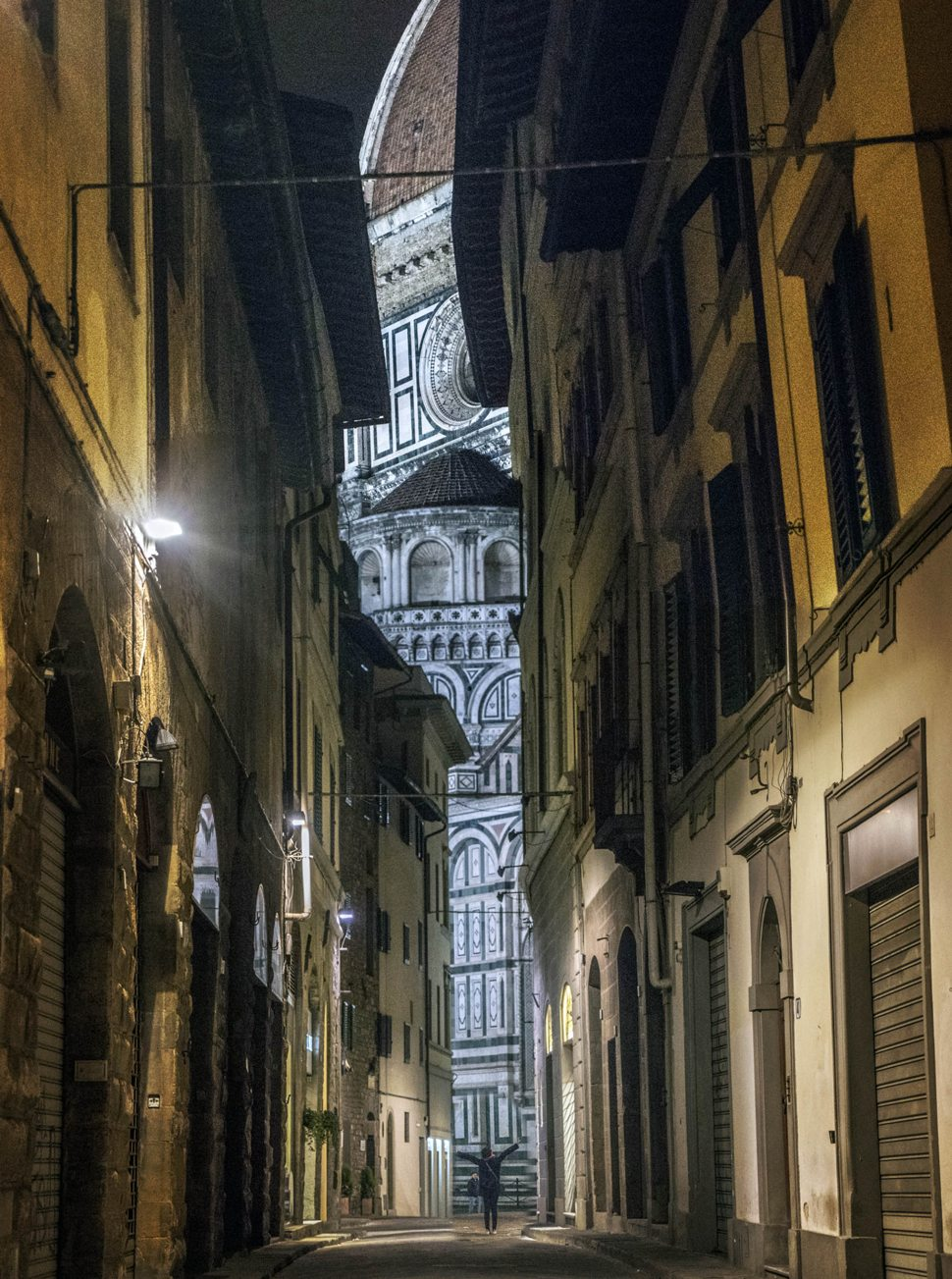 The narrow streets of Florence
