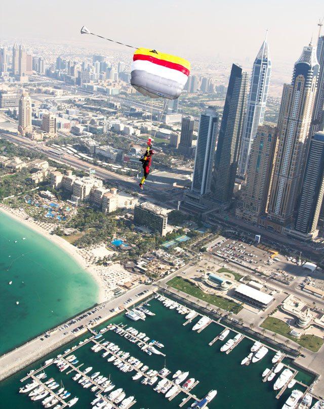 Parachute in Dubai