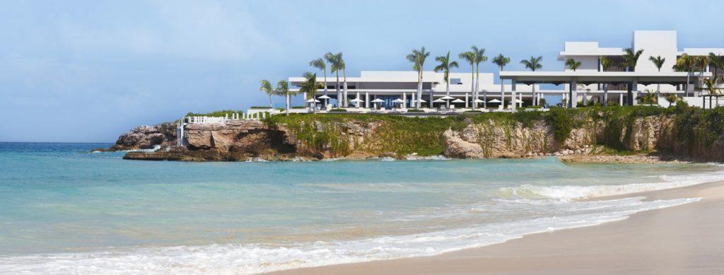 Hotel by ocean