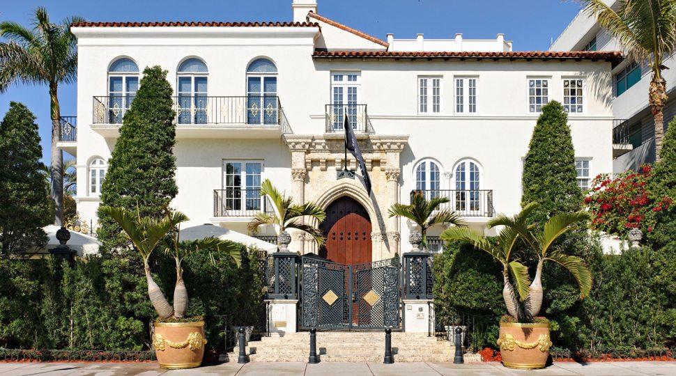 Villa Casa Casuarina in Miami