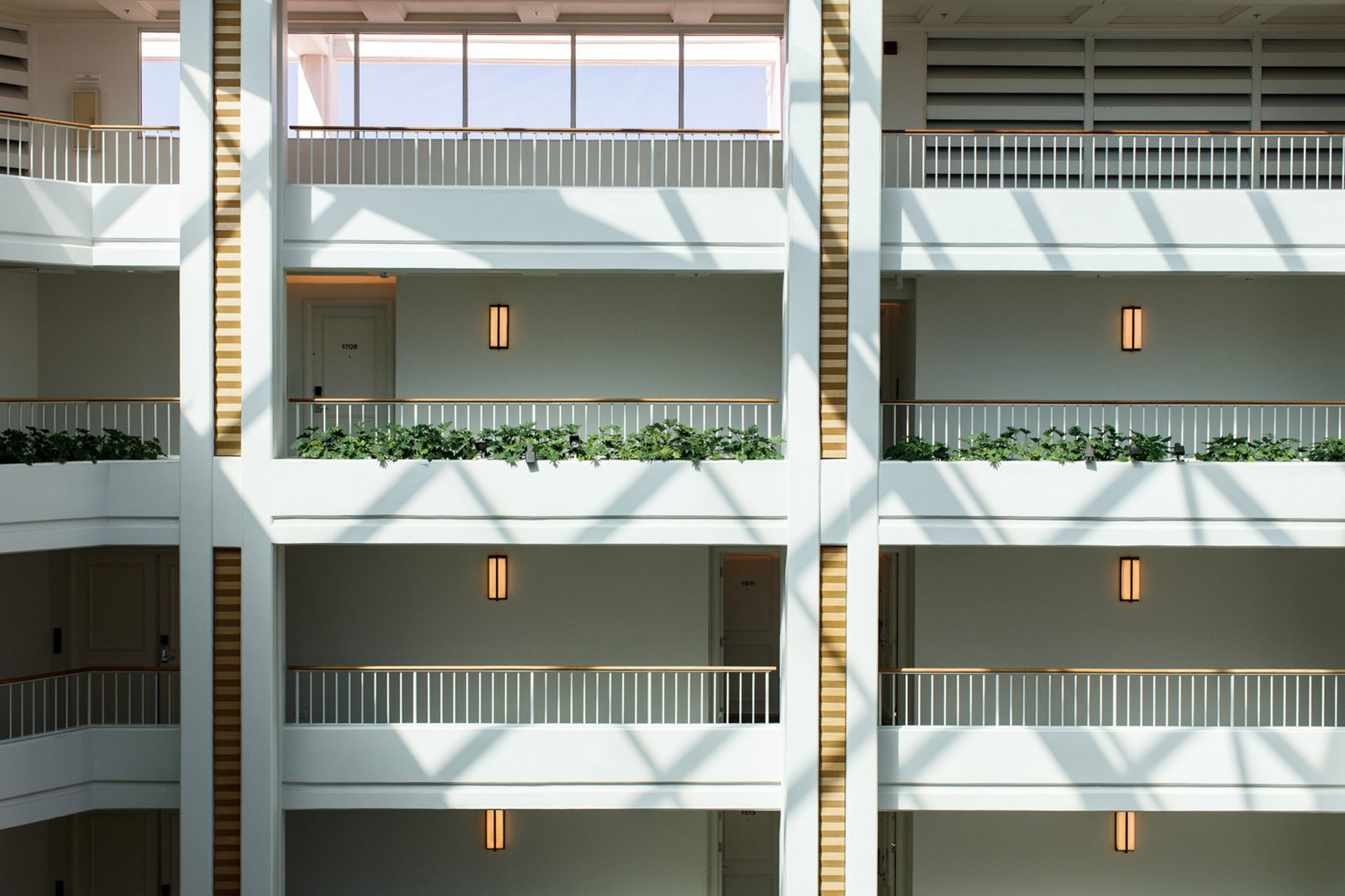Oahu hotel balconies