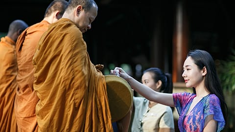 Offer temple monks a token of respect