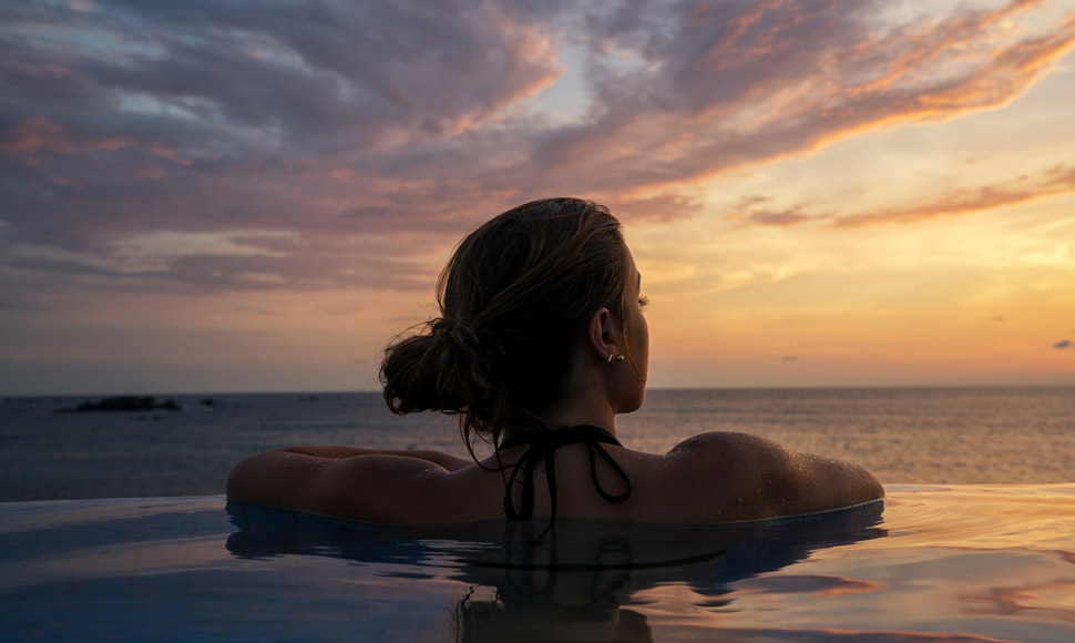 FS Punta Mita pool sunset